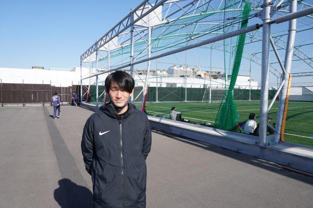 新倉コーチ
